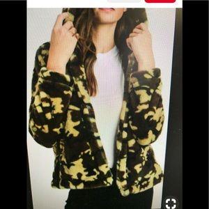 Love Tree faux fur camp jacket. Small